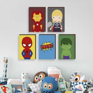 Kit de quadros infantil Super Heróis + Nome Fundo Poá- Homem de Ferro, Thor, Homem Aranha, Hulk[Box de Madeira]