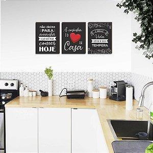 Trio de quadros A cozinha é o coração da casa PRETO [Box de madeira]