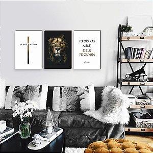 Trio de quadros Cruz + Leão Iluminado + Tu orarás Preto e Branco [BOX DE MADEIRA]