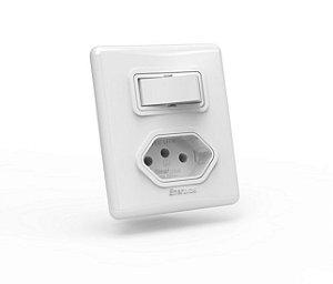 01 Interruptor simples + 01 Tomada 10 A / 250V de sobrepor com caixa padrão Branco - Linha E Enerbras