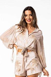 Camisa Feminina com Nó e Estampa Bordada Open