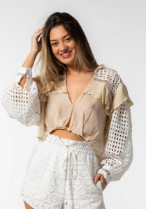Camisa com Laise Off Shell Open