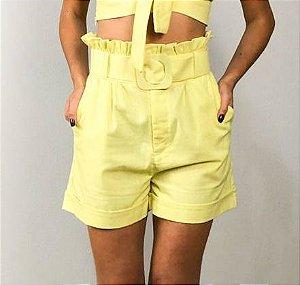 Short Clochard Linho com Cinto Amarelo