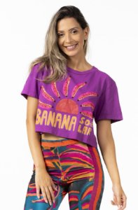 T-shirt Cropped com Estampa Banana Sola Roxo Camu Farm