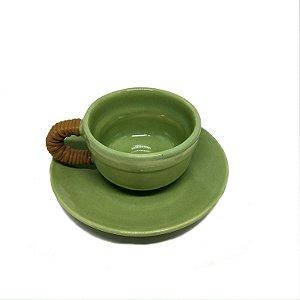 Xícara de café em cerâmica verde alça bambu