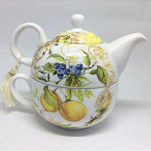 Conjunto xícara de chá e bule em porcelana estampada