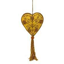 Pingente coração em veludo amarelo com pedrarias douradas