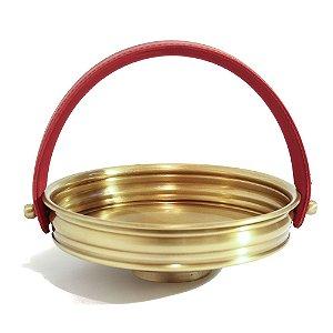 Cesto de bronze com alça em couro vermelho