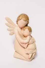 Anjo ajoelhado com criança