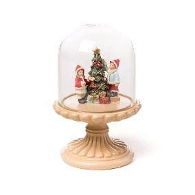 Árvore de Natal com crianças em cúpula
