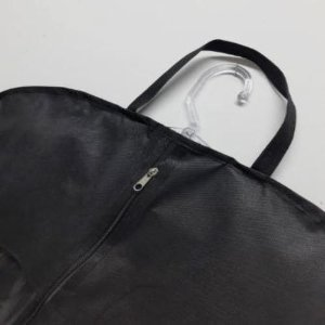 Capa para Terno Preto com Visor Lateral + Zipper Frontal + Alças para carregar - Lavável em Máquina- 95cm x 58 cm - CAIXA 10 ,20 e 30 Peças
