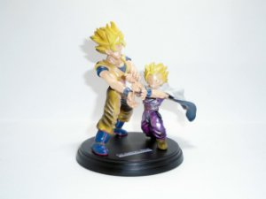Bandai Dragon Ball Fantastic Arts Goku e Gohan SSJ  Loose