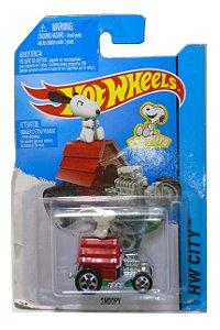 Hot Wheels Peanuts Snoopy  1/64