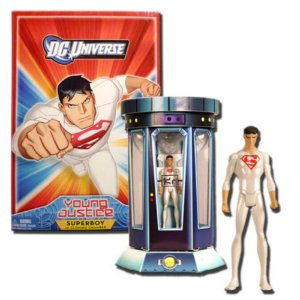 DC Universe Young Justice Superboy in Clonning Chamber Exclusivo SDCC 2011