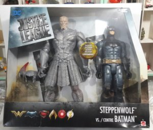 Steppenwolf vs Batman Justice League Mattel