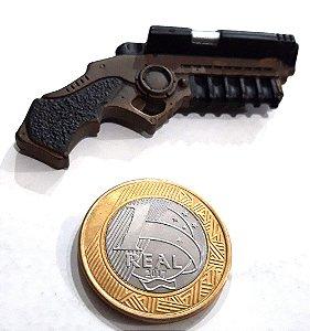 Hot Toys DC Batman TDK Acessório Grapnel Gun (Batgancho) 1/6