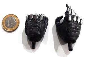 Neca DC Mãos Batman Arkham Knight 1/4