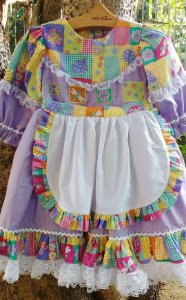 Vestido Caipira Chic  Patchwork com avental