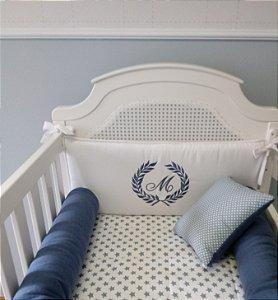 kit berço e kit cama branco e tricot azul jeans