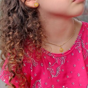 Conjunto Kids Colar e Brincos de Florzinha Banhado a Ouro