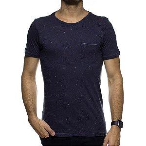 Camiseta de Malha Urbô Preta Básica com Bolso Detalhado