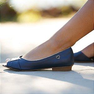 Sandália Rasteira em Couro Lily Azul Marinho