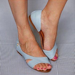Sandália Rasteira em Couro Moema Azul Claro