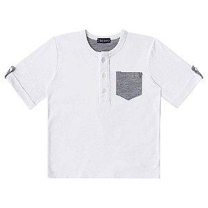 Camiseta Infantil Luc Boo com gola portuguesa e bolso