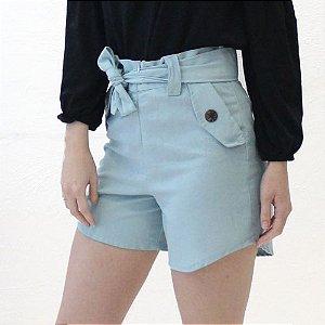 Shorts alfaiataria em linho azul bebê