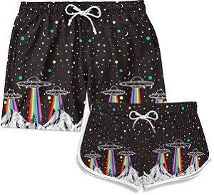 Kit Short Casal Praia A Abdução Rainbow