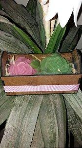 Kit com 2 sabonetes de flores