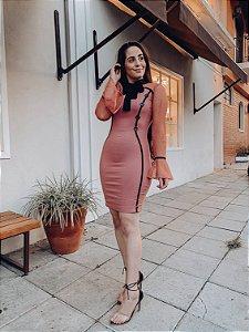 VESTIDO MIRELLA - TUBINHO ROSE MANGAS EM TULE BOTÕES E LAÇO