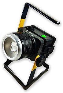Holofote Refletor Tático 3.580.000 Lumens Com Ajuste de Zoom e Foco Direcionável de Longo Alcance LED Cree XML T6 L2