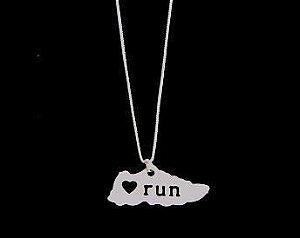 Colar Love Run - Banho Prata