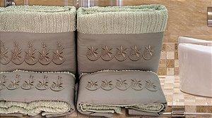 Jogo de toalha com aplique 400 Fios Egípcios Bordado Tajima – Enxovart