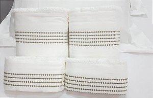 Jogo de toalha com aplique 400 Fios Egípcios Bordado Sianinha – Enxovart