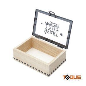Caixa decorada em madeira