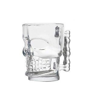 Caneca de vidro para chopp caveira com capacidade para 510 ml.