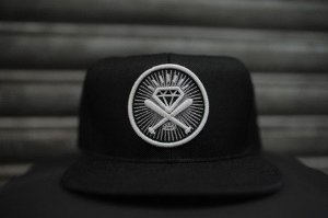 Boné Snapback Dead Time Clothing - Tacos de baseball e diamante
