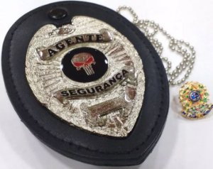 Distintivo Agente De Segurança Couro Folheado À Prata Brinde Bótom