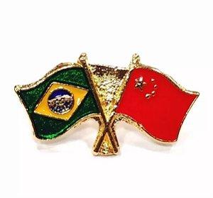 Bótom Pim Broche Bandeira Brasil X China Folheado A Ouro