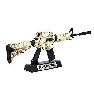 Miniatura Decorativa em Metal - M4A1 Camo navy