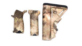 KIT CORONHA, PISTOL GRIP E GRIP FRONTAL PARA M4 ATACS AU DYTAC (ORIGINAL)
