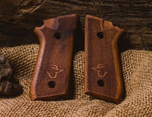 Empunhadura / Tala em Madeira para pistola Taurus pt 58 HC PLUS, 59S, 92, 100, 101, 917c - Mbt