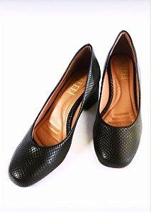 Sapato piton preto bico arredondado