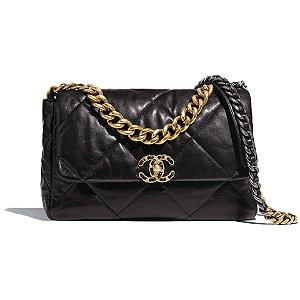 Chanel - 19 maxi flap bag