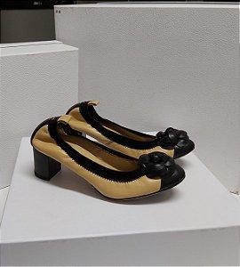 Chanel - Sapato bicolor camélia