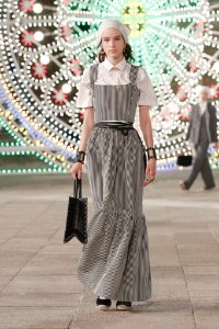 Christian Dior -  Saia longa  listras / Resort 2021
