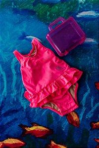 Moda Praia - Maiô Pink Estampa Mágica com maleta