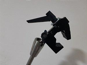 Adaptador em garra de aperto para segurar a bobina no braço de fixação